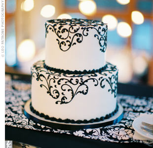 Black Swirl Cake