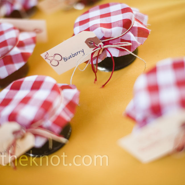 With her family's help, Sarah made tags and fabric lids for the jars of berry jam that she and Jennifer (her friend and pastry chef) made. Guest could help themselves to homemade scones, too!