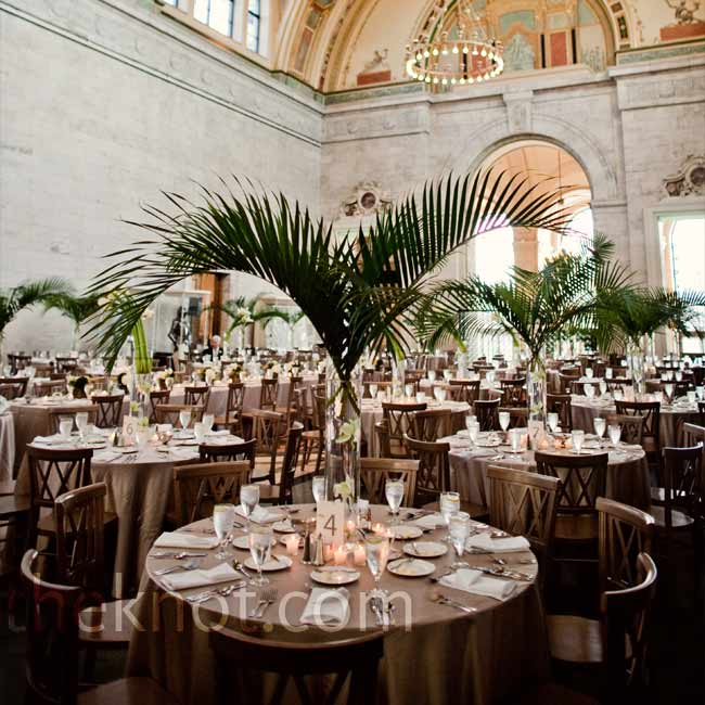 Joanna and Hebert both love art and culture, so following their religious ceremony and an afternoon reception, they had an evening party at the Detroit Institute of Arts. Joanna even earned a degree from College for Creative Studies, located right behind the DIA.