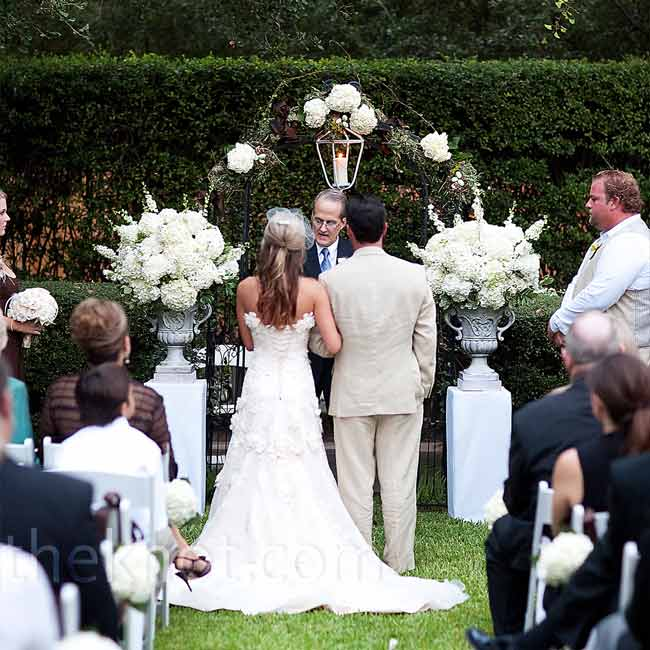 After Jennifer's father escorted her down the aisle, he switched into his minister role and performed the marriage ceremony. The couple exchanged the same vows that Jennifer's parents had recited more than 25 years earlier.