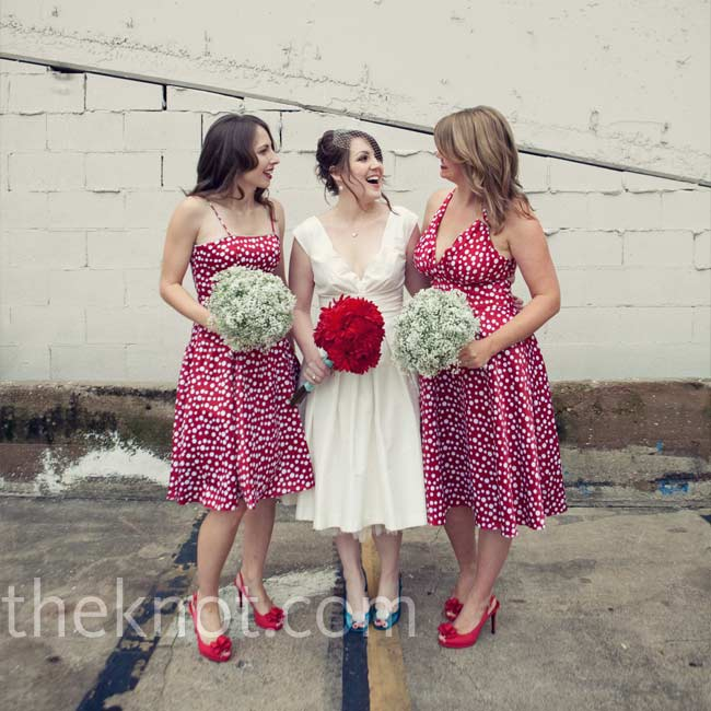 Kim wanted her bridesmaids to wear dresses that had a vintage feel, so she chose one in a retro-looking red-and-white polka-dot print.