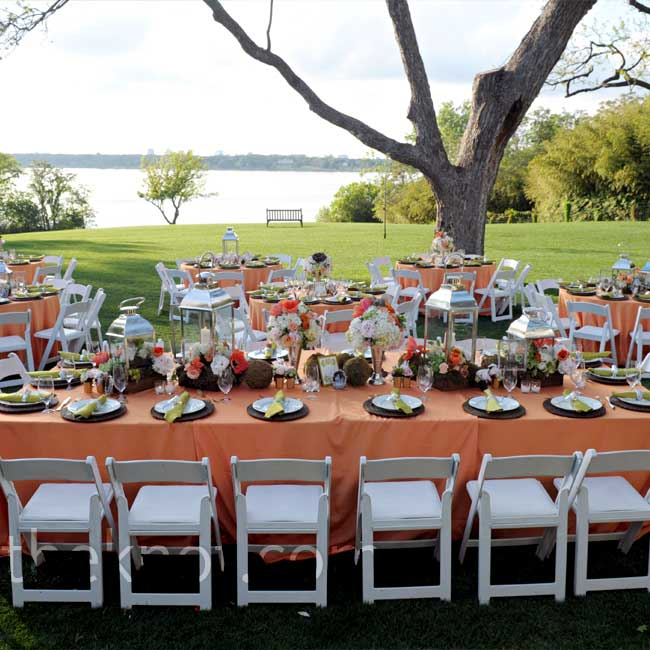 After the ceremony, guests walked over to Camp House where they found tables draped in melon-colored linens set with brown chargers, gold-rimmed china, and gold flatware.
