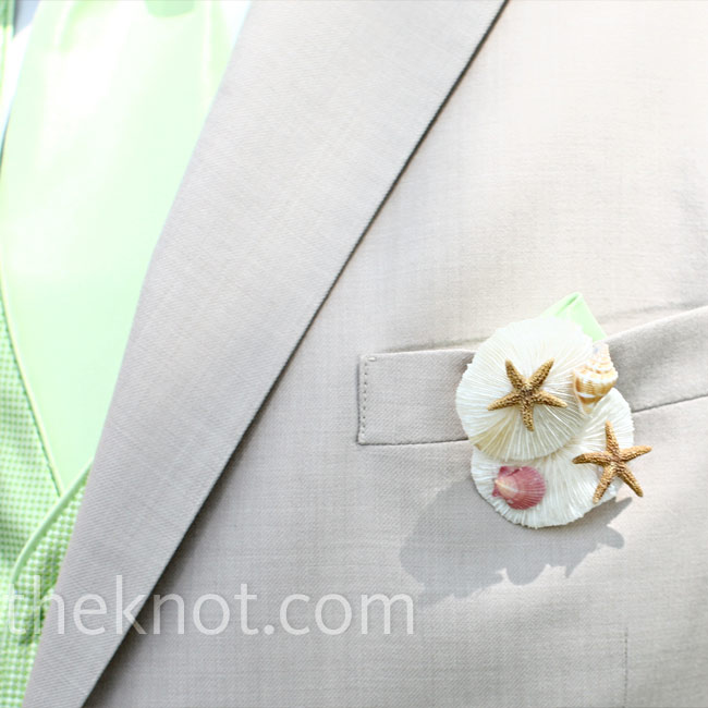 To keep with the beach theme, the guys wore clusters of sea shells and starfish on their lapels.