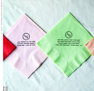 Ten versions of cocktail napkins were printed with a fun fact about the couple or a detail of their wedding planning.