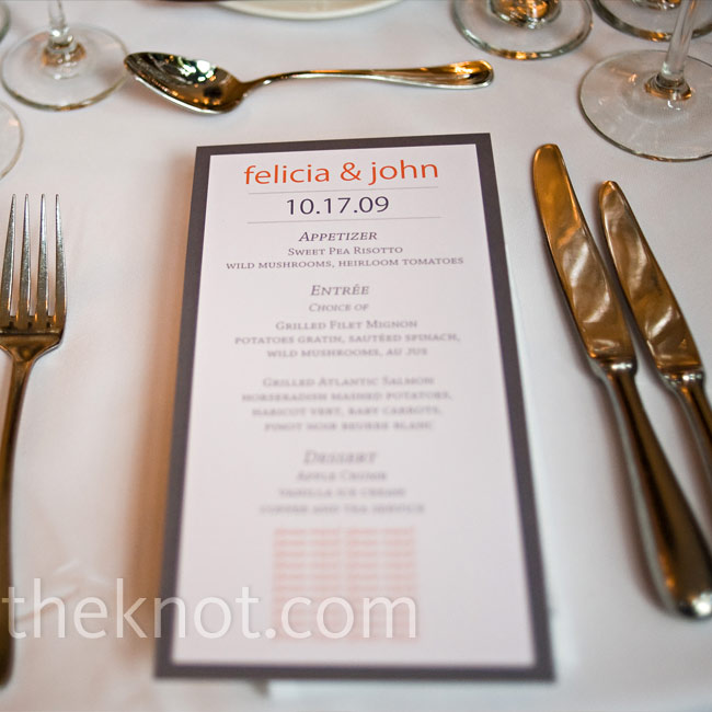 Cards with modern fonts displayed such entrée options as grilled filet mignon and grilled Atlantic salmon.