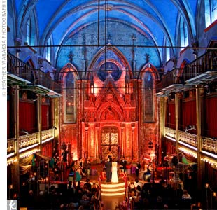 A former synagogue turned center for the arts, the historic Angel Orensanz Foundation in the Lower East Side of Manhattan was the ideal setting for the lavish event.
