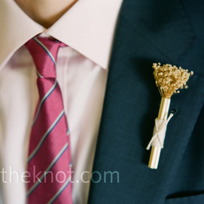 Dan and Leesy's father wore dried flower boutonnieres that they ordered through an artist online.