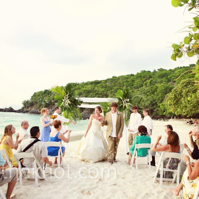 Belongil Beach Wedding Ceremony: 301 Moved Permanently