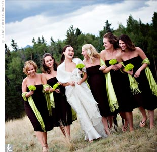Chartreuse shawls gave a fun pop of color to the bridesmaids' espresso brown strapless Juliet dresses.