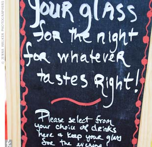 A festive chalkboard encouraged guests to grab a glass of beer from The Great Divide brewery while being entertained by the mariachi band.