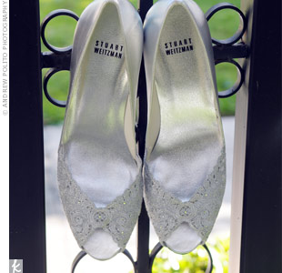Samanatha's lacy Stuart Weitzman peep-toe heels were an elegant complement to her Oscar de la Renta wedding dress.