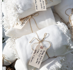 White Blanket Favors