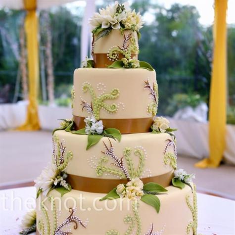 Vine Leaf Wedding Cake Wall
