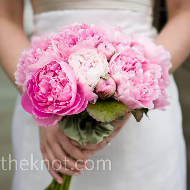 Donna doesn't love pink but she liked the pop of color her bouquet added in contrast to the rest of the wedding's earth tones.