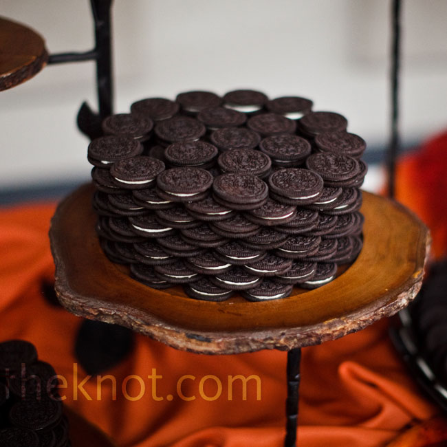 Bill couldn't decide on a groom's cake, so instead the couple served his favorite dessert -- Oreo Cookies and milk.
