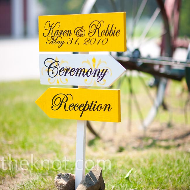 Yellow and white signs directed guests around the farm and added an elegant, personalized touch.
