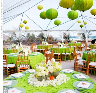 Dinner was served under a clear tent. Although the skies were cloudy, green lanterns and linens helped brighten up the space.