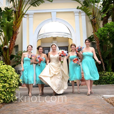 Brown Dress on Wedding Dresses Engagement Rings Bridesmaid Dresses Wedding Rings