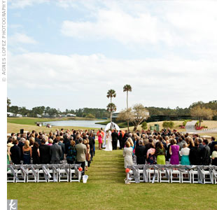 When they couldn't book their desired date at their church, Kelly and David decided to have an outdoor ceremony at TPC Sawgrass.