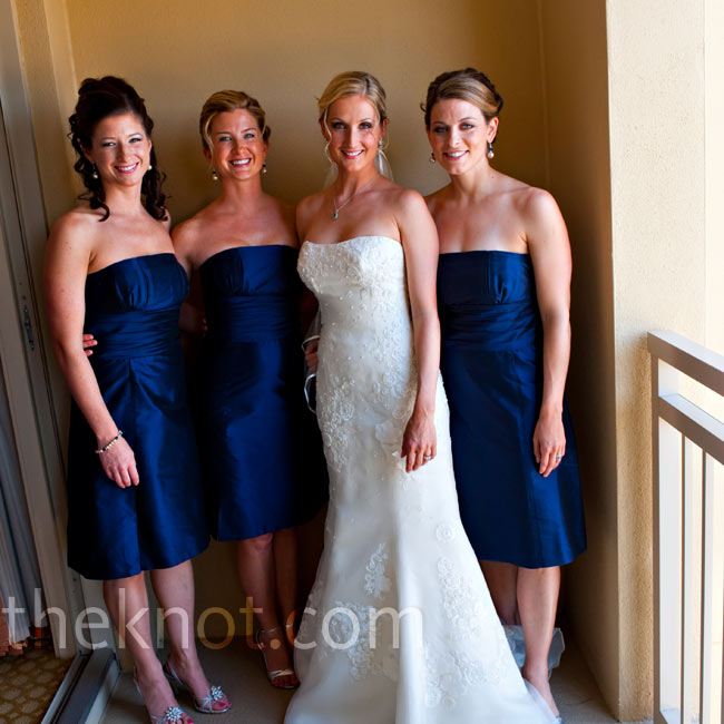 Silke's bridesmaids wore matching strapless navy blue silk dresses.