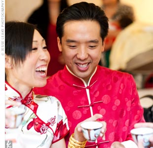 Prior to the ceremony, Jeanne and Oscar had a traditional Chinese tea ceremony, which started at Oscar&#39;s parents&#39; house.
