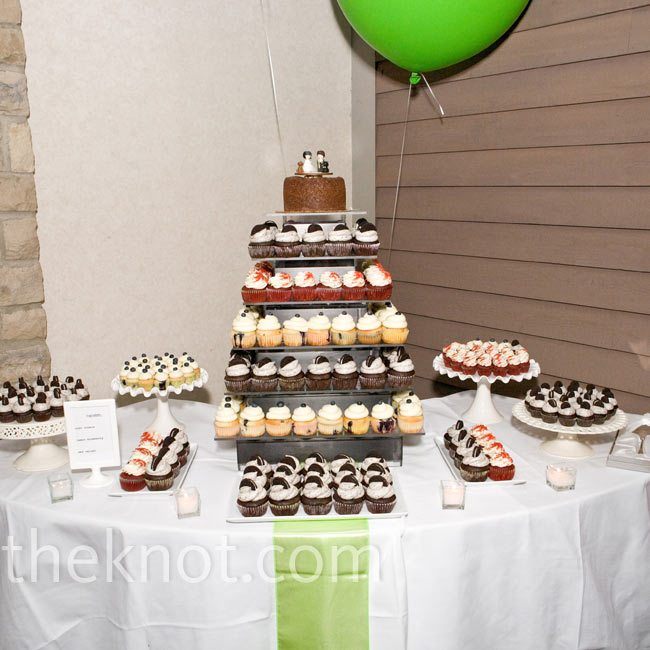 A tower of cupcakes -- in Oreo, lemon blueberry and red velvet -- took the place of a traditional cake.