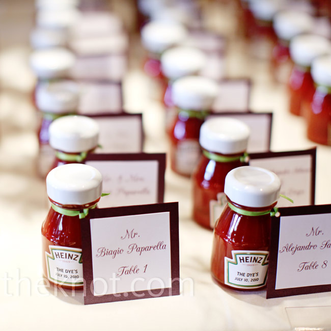 As a nod to Elizabeth's absolute love of Heinz ketchup, they gave out customized mini bottles.