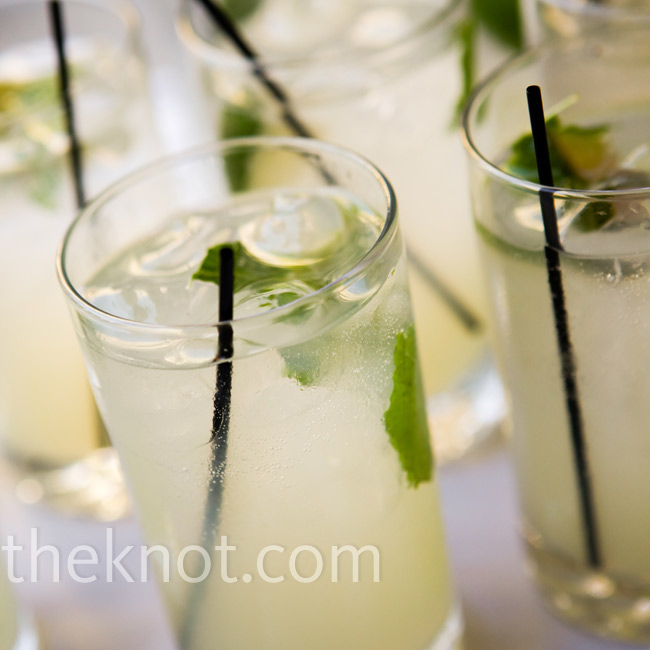 Waiters served trays of minty mojitos as the band played upbeat soul music during the cocktail hour.