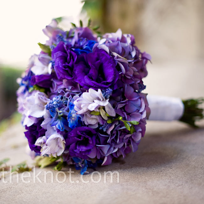 Chin-Chern carried a lavish mix of blue and purple hydrangeas and lisianthus.