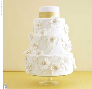 White Flower Wedding Cake