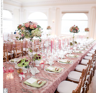 Green hydrangeas and bright pink peonies added a pop of more intense color to the table tops.