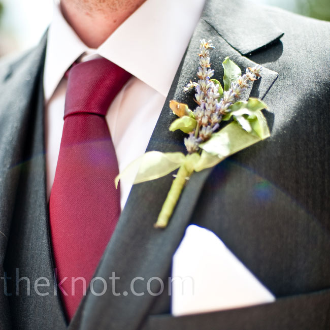 The organic floral style continued with hand-tied boutonnieres of lavender sprigs.