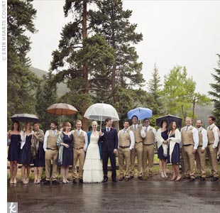 Lindsay asked her bridesmaids to choose their favorite knee-length, silk-shantung Jenny Yoo dress in navy blue.