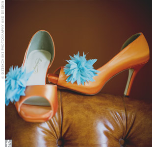 Aqua shoe clips added color and character to Meghans orange pumps.