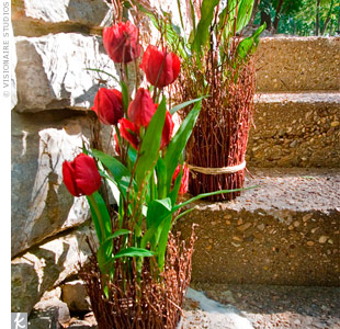 Red Tulip Decor