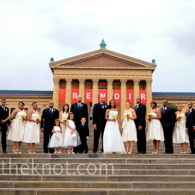 Danielle regularly visits the iconic Philadelphia Museum of Art, so she and Devin chose it as a backdrop for wedding photos.