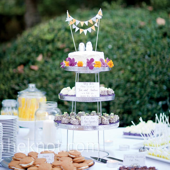 The bride and groom cut into a small cake and served the guests a variety of goodies like chocolate-orange cupcakes, pumpkin whoopie pies and red velvet cake pops.
