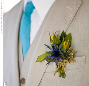Preston and his groomsmen wore boutonnieres of thistle and wildflowers.