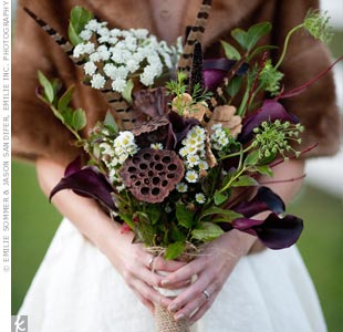 Liana carried a rustic mix of calla lilies, aged lotus pods, feathers and Queen Annes lace, and kept warm in a vintage fur stole.
