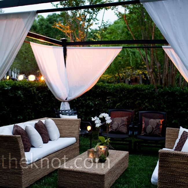 Canopied couches and plush pillows gave guests a cozy space to rest during dance breaks.