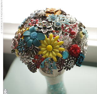 Retro Brooch Bouquet