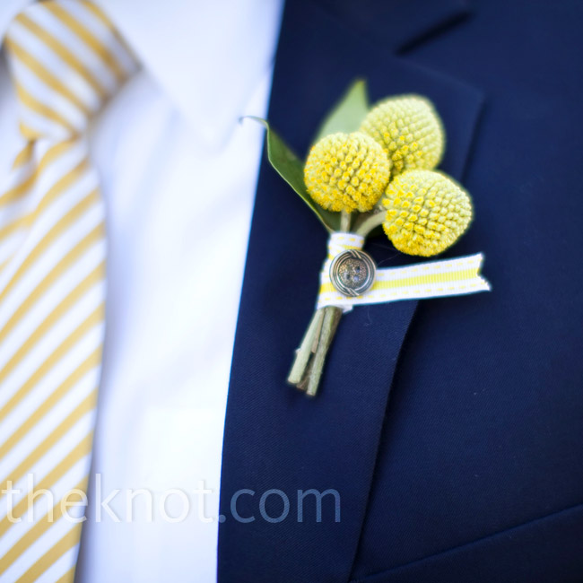 The guys wore small clusters of yellow craspedia tied with a yellow and white ribbon and fixed with a button.