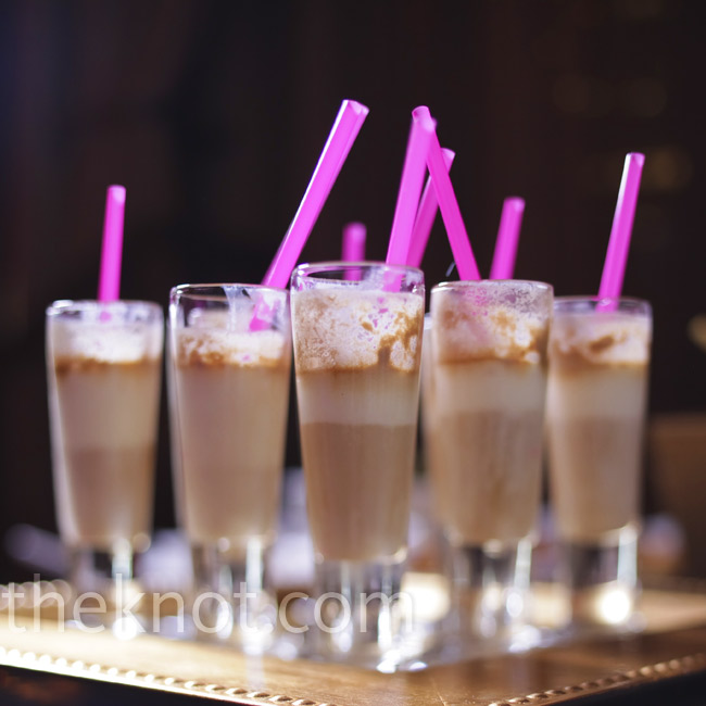 As part of the late-night snack and dessert menu, the couple served mini root beer floats.