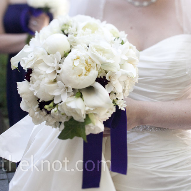 A lush, all-white bouquet with green accents had the timeless look Jodi wanted.
