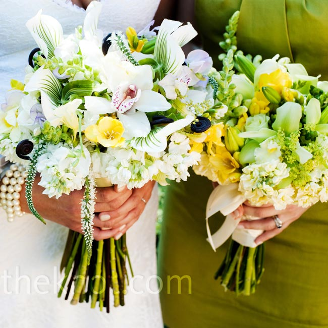 Erin carried a loosely tied mix of stock, cymbidium orchids, sweet peas and snapdragons, while the bridesmaids held green roses and lady's mantle.