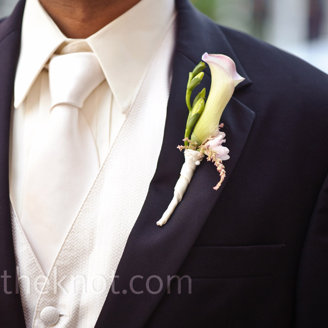 Gian wore a single pale-green calla lily on his lapel.