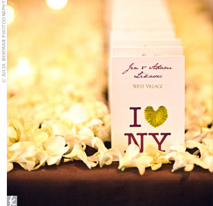 "An upside-down palm leaf replaced the heart in these ""I Heart NY"" escort cards—a perfect combination of the two wedding themes."