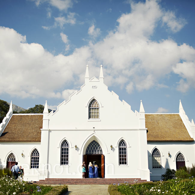 Dana and Johann exchanged vows inside a Cape Dutch-style church built in the 1800s.