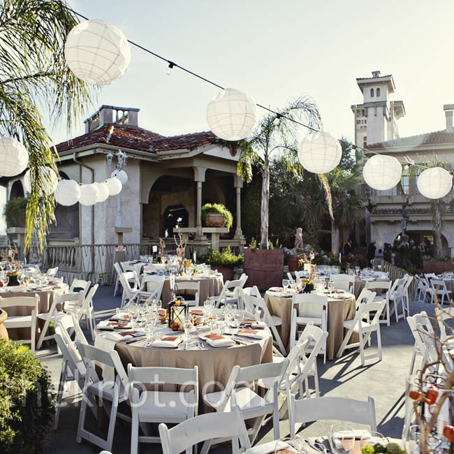 The Mediterranean-style architecture at Villa Antonia provided the perfect backdrop for their open-air reception.