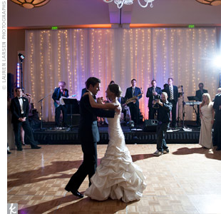 "The country vibe of Keith Urban's ""Making Memories of Us"" made for a fun first dance."